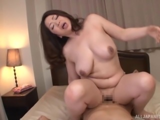 Kayama Natsuko has her private part tasted and penetrated