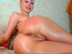 Blonde with big ass masturbates on cam