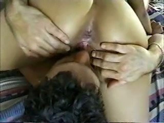 Noisy Indian bitch is scwered first time