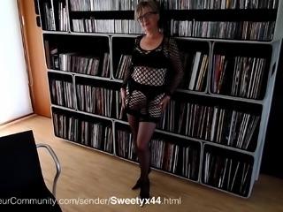 Deutsch Oma rasiert ihre Fotze