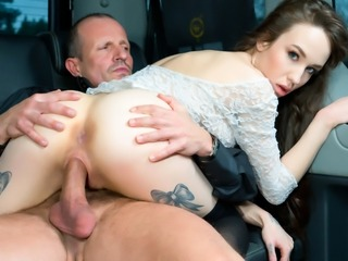 FUCKED IN TRAFFIC - Steamy Steak & Blowjob Day car fuck