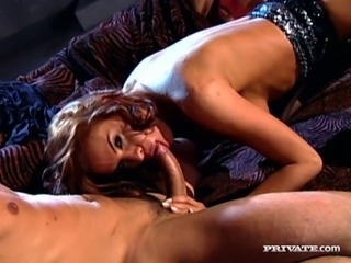 Horny guy licks mature fanny of gorgeous ginger MILF Wanda Curtis and then bags it hard