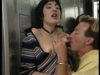 Brunette with smallt tits gets cumshot after slammed Hardcore in public
