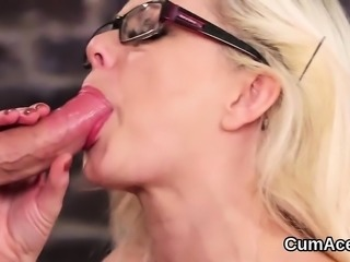 Horny bombshell gets sperm shot on her face gulping all the