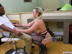 Blonde curvy white lady in black lingerie shows off her gorgeous ass