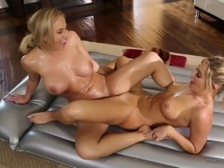 Pervy masseur gives her customer a beautiful lesbian experience