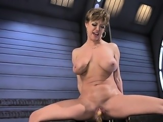 Hot pornstar anal squirt and orgasm