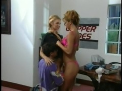 Two babes want to be ravished by a hansome stallion