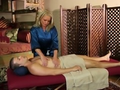 Experienced blond haired mommy with big boobies Maya Devine gives nice hand...
