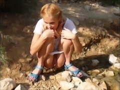 Ukranian Beauty Outdoor Pee