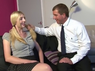 Boning a blonde beauty Emma Foxx on a sofa tirelessly
