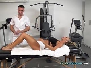 Client Courtney Taylor Blows Her Massage Therapist