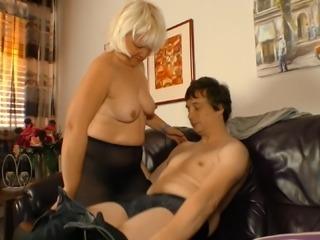 Mature chick Gabriele makes a fortunate hunk's cock stiff