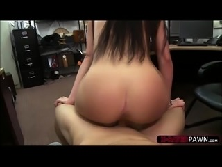 Gorgeous slutty woman wants to sell a ring and gives blowjobs