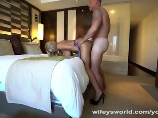 Kate Gets Tits Creamed In Vegas