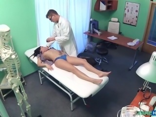 This chick was either dumb or horny, or may be she was both. The doctor and hospital both were fake, still he managed to convince her, that pussy licking is a part of his job. First he stimulated her clitoris, then he inserted cock deep inside her hairy pussy, and banged her on the table. Must watch!