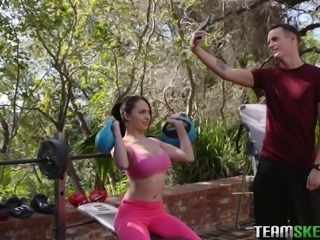 Quinn Wilde seduced by a hot fellow during her workout