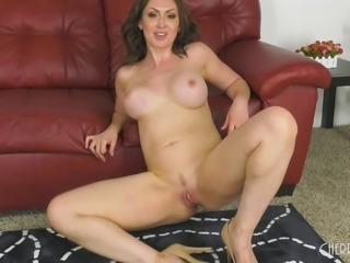 Untiring Small Hands nailing a luscious cougar Yasmin Scott