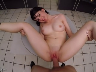 Big dick nails a beautiful slut he just met in the bathroom