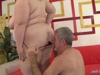 Fat Beauty Gets Her Mouth and Twat Filled with a Thick Cock