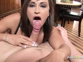Blowjob and tit tease from hot ma