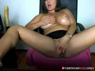 Busty brunette milf fingerin pussy - camtocambabe.com