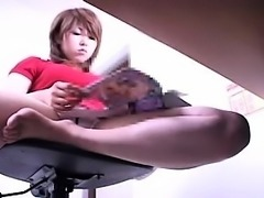 Horny office worker spreads her legs and toys through her u