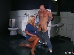 Hot man Johnny Sins  gets fantastic blowjob from busty hoe