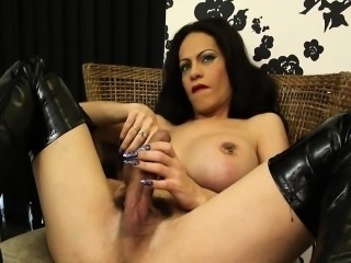 Big booty mature tgirl enjoy solo