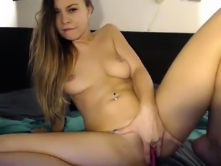 Hot Latina shows her amazing body on wetcams