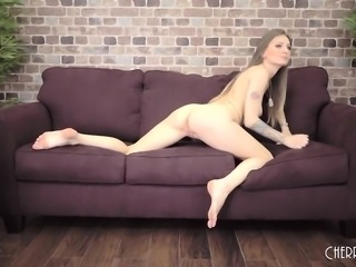 This Tattooed Babe Loves To Ride Cock and Drain It All
