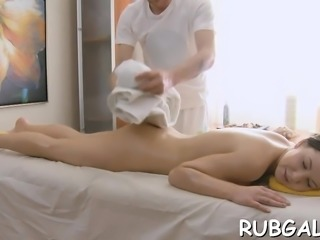Hot chick acquires a vehement guy as her fuckmate