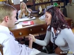 Cock sucking bitches in college love getting nasty on campus