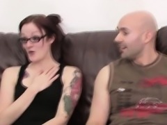 Teen honey stimulates her clitoris and shows round butt