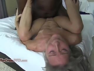 Max Banging the Milf no 40