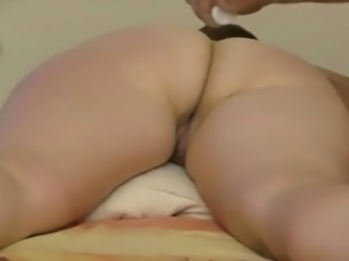Saudi arab milf ass massage by hubby