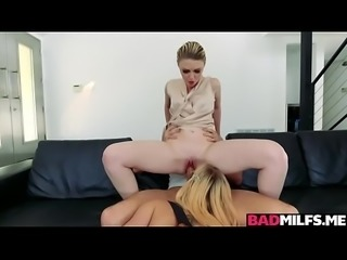 Hot boyfriend 3some with mom Marie and gf Haley
