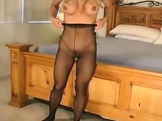 Moist twat hole looks arousing in transparent fancy tights