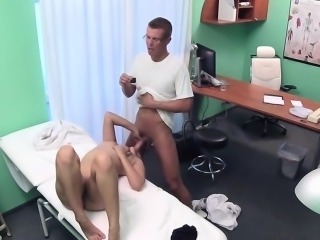 Doctor shoots sex with brunette patient
