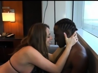 Tyrone & Hotel Managers Wife, Free Wife