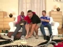 Une soiree de match qui termine en Gang bang