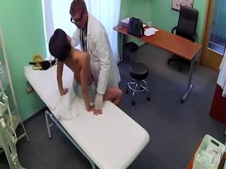 Amateur euro cocksucking doctor during exam