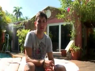 Video sex gay big boys We set up shop out by his pool and