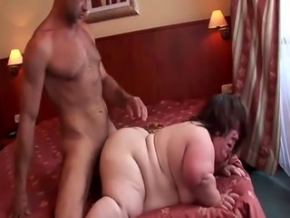 Chubby midget gets her wet beaver drilled