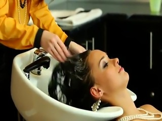 Wedding day full body shampoo service
