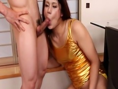 Asian newhalf spreads her legs to get fucked
