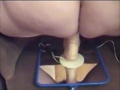 Beacoquine mature solo plays with dildo