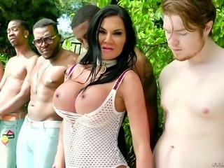 Jasmine Jae is on a mission to prove that she is the best cocksucker around