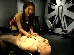 Kinky Asian Brunette Hoe Doing Wild Fetish On Bald Guy