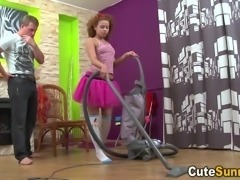Teeny vacuums cock with her mouth